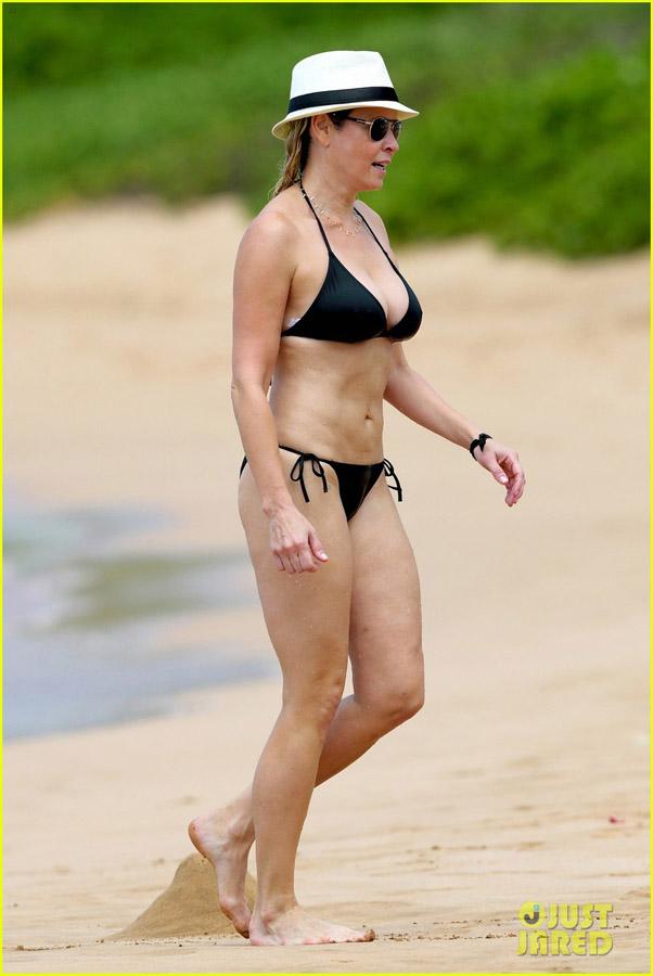 Chelsea Handler bikini body