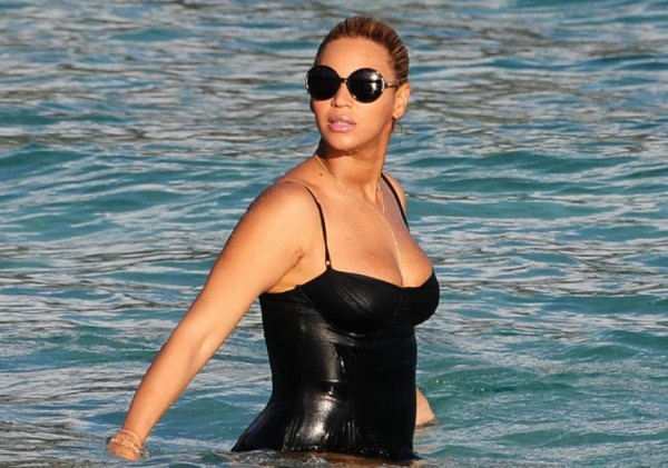 20 Worst Celebrity Beach Bodies … | Hollywood Hiccups