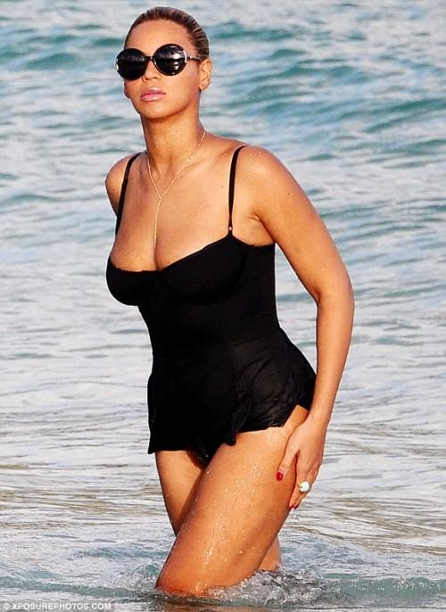 44-beyonce-bikini