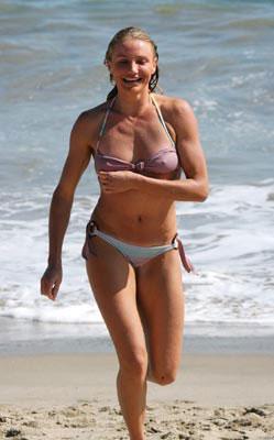 8-cameron-diaz-bikini-body